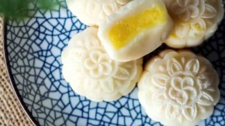 snow-skin-mooncakes